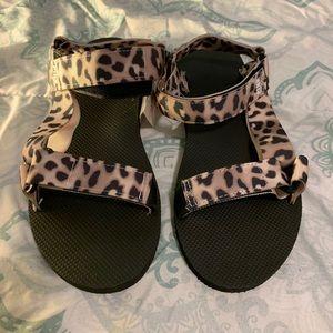 PINK cheetah sandals 🐆